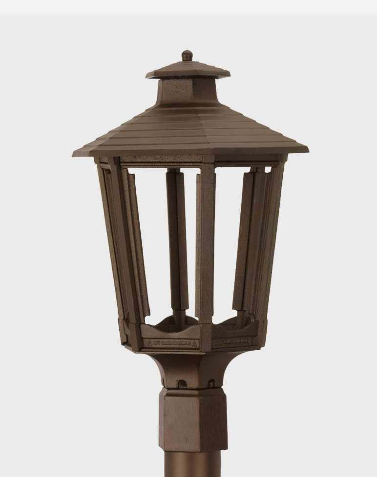Cosmopolitan Model 1600 Residential Aluminum Gas or Electric Lantern